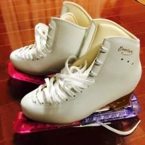 フィギュアスケート靴専用のインソール独占販売のお知らせ